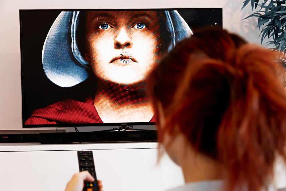 the handmaid's tale watch online